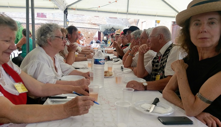 table repas festival montesquieu lauragais
